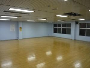 フローリングで温もりのあるトレーニングルームです。